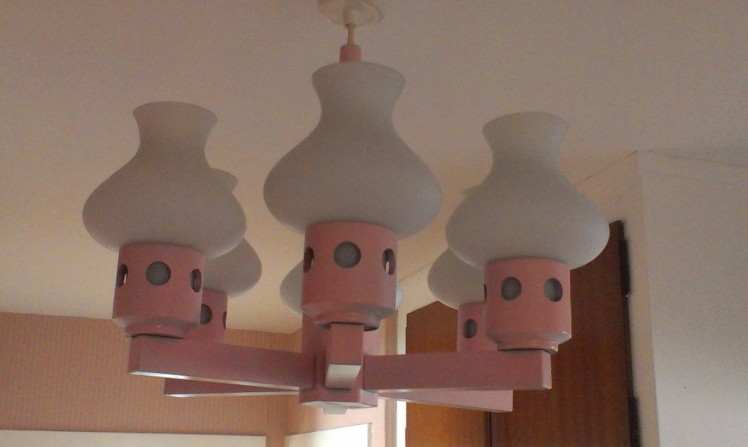 lyserød lampe