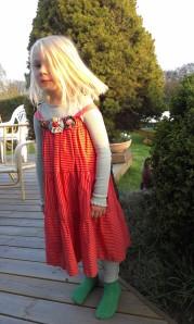laras blomster kjole