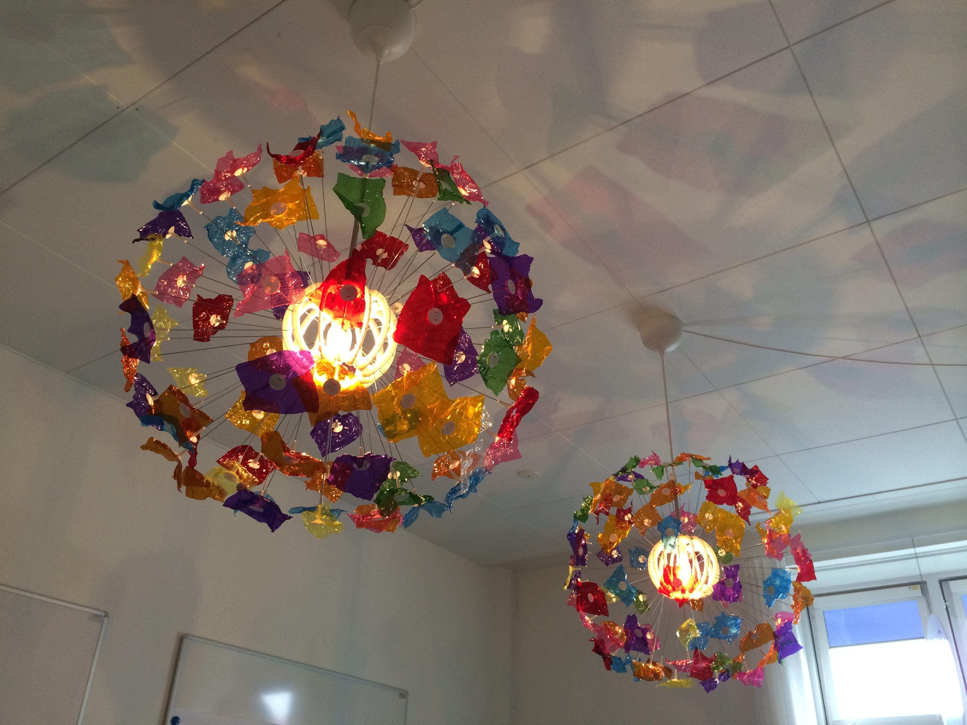 farverige lamper